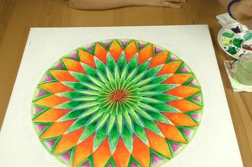 Mandala konstruieren und ausmalen